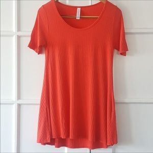 LuLaRoe Solid Coral Ribbed Perfect Tee Size XS